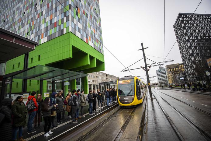 Voor de tweede dag op rij liep het tramverkeer op de Uithof vast.
