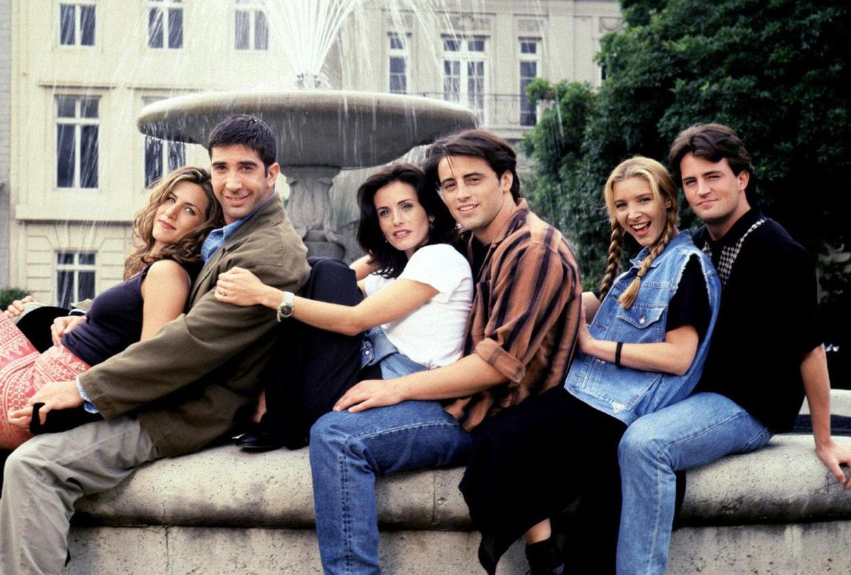 De cast van Friends, een sitcom 'over de tijd in je leven wanneer vrienden je familie zijn', meteen de belangrijkste aantrekkingskracht van de serie. Beeld rv