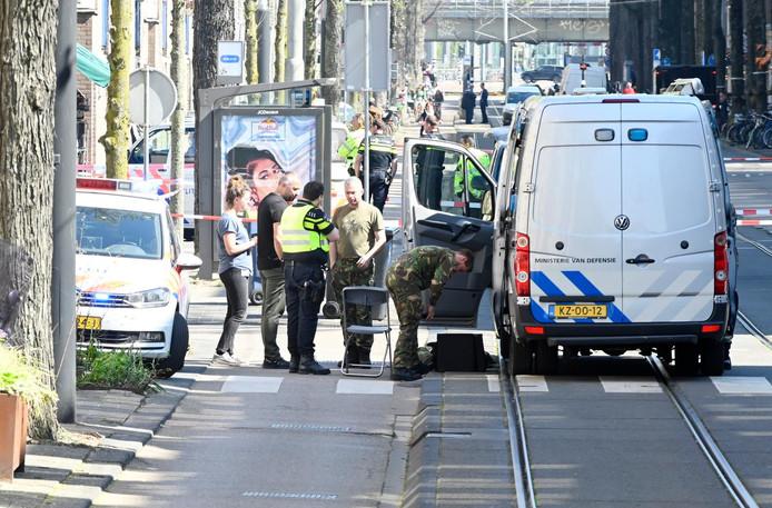 De nabijgelegen Czaar Peterstraat was afgezet door de politie