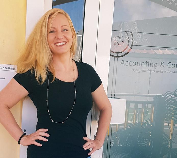 Monique Scholten, de vrouw achter het idee om Twentse bouwvakkers naar Sint Maarten te lokken.