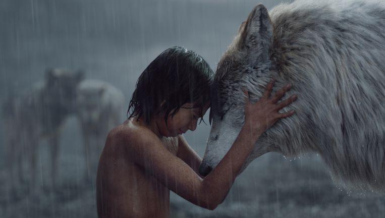 Mowgli en Raksha. Beeld AP / Disney