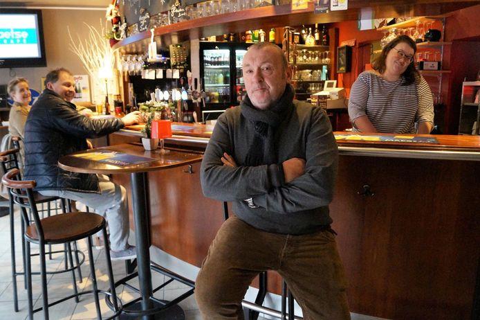 Cafébaas Filip Braekevelt sukkelt met zijn gezondheid en verkocht de zaak.
