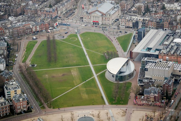 Zo ziet een verlaten Amsterdam er vanuit de lucht uit. Beeld ANP