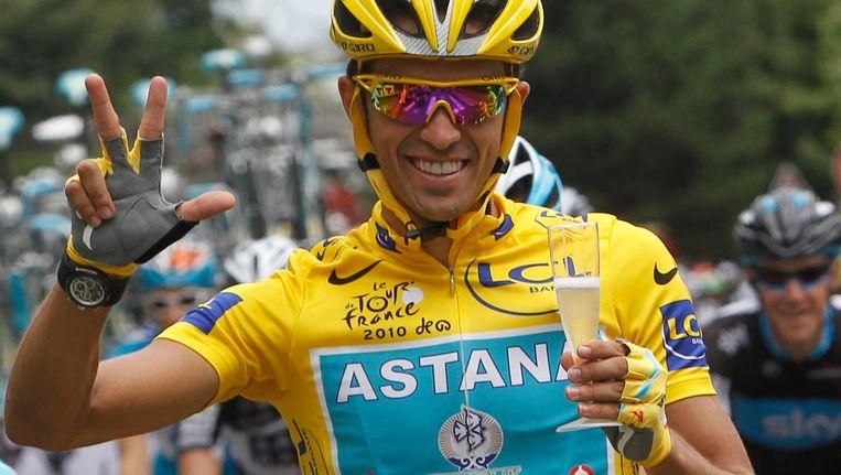 Alberto Contador tijdens de slotetappe van de Tour de France 2010. Beeld ap