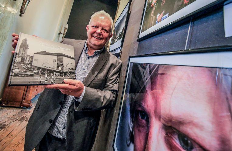 Patrick Holderbeke stelde zijn boek voor in juni, in Boekenhuis Theoria in Kortrijk, waar je 't nu nog altijd kan kopen.