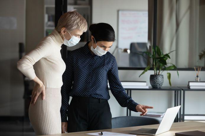 Vrouwen vangen deze pandemie het hardst op, maar ondervinden er ook de meeste impact van.