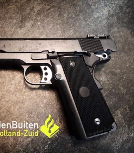 Jongeman (18) moet nepvuurwapen inleveren na val met scooter