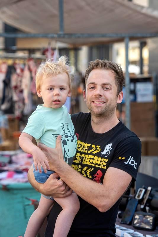 Ralf van Kesteren (34) en zoon Jelte (1) uit Bemmel.
