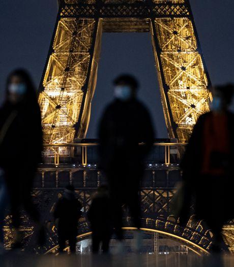 Deux suspectes inculpées après l'agression au couteau de deux femmes voilées près de la tour Eiffel