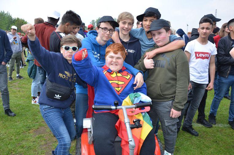 De 14-jarige Mathis ontpopt zich tot held van de school.