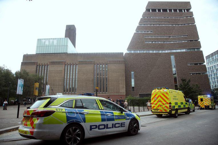 Het 6-jarige jongetje werd in augustus door een tiener van de tiende verdieping van het Tate Modern in Londen gegooid.