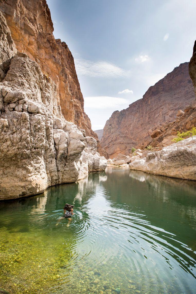 Het is drie kwartier lopen naar deze wadi, maar dan heb je de plek ook voor jezelf. Beeld null