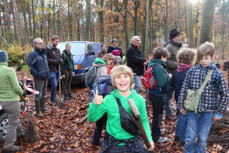 In het Molenbos werden 1.000 bomen geplant.