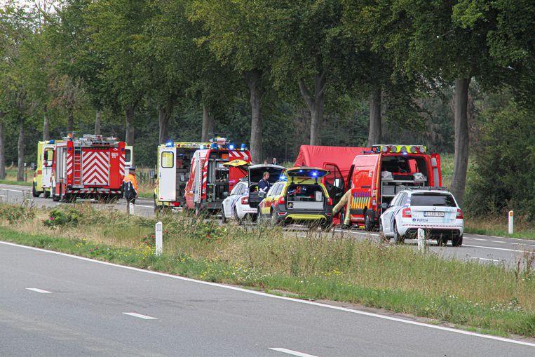 Hulpdiensten op de plaats van het ongeval.