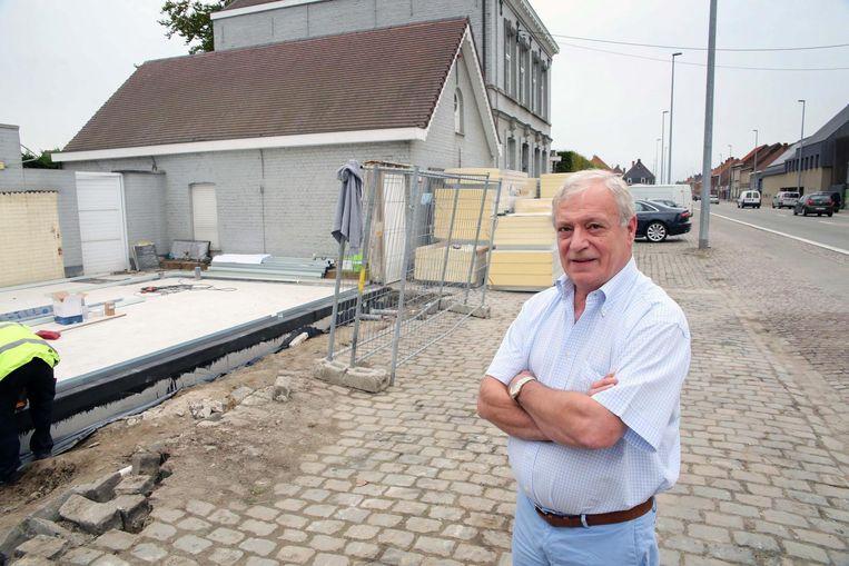 In de Kortrijkseweg 292 wordt een nieuwbouw opgetrokken voor de delicatessenzaak van de chef-kok.
