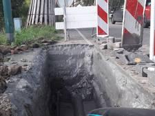Weg moet paar keer open voor vernieuwen waterleiding Klundert