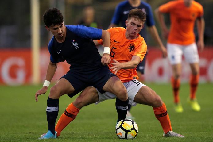 Gabi Caschili (foto) en Samir Lagsir speelden in september al met Oranje O17, in oefenduels tegen Frankrijk.