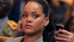 """Zou je liever Rihanna meppen of Chris Brown slaan?"": Rihanna is razend na blunder van Snapchat"