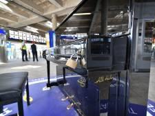 Stationspiano Enschede na 22.00 uur op slot vanwege overlast