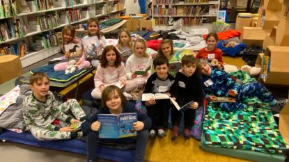 """Twaalf kinderen slapen tussen de boeken in bibliotheek: """"Dat kan bijna niemand zeggen"""""""