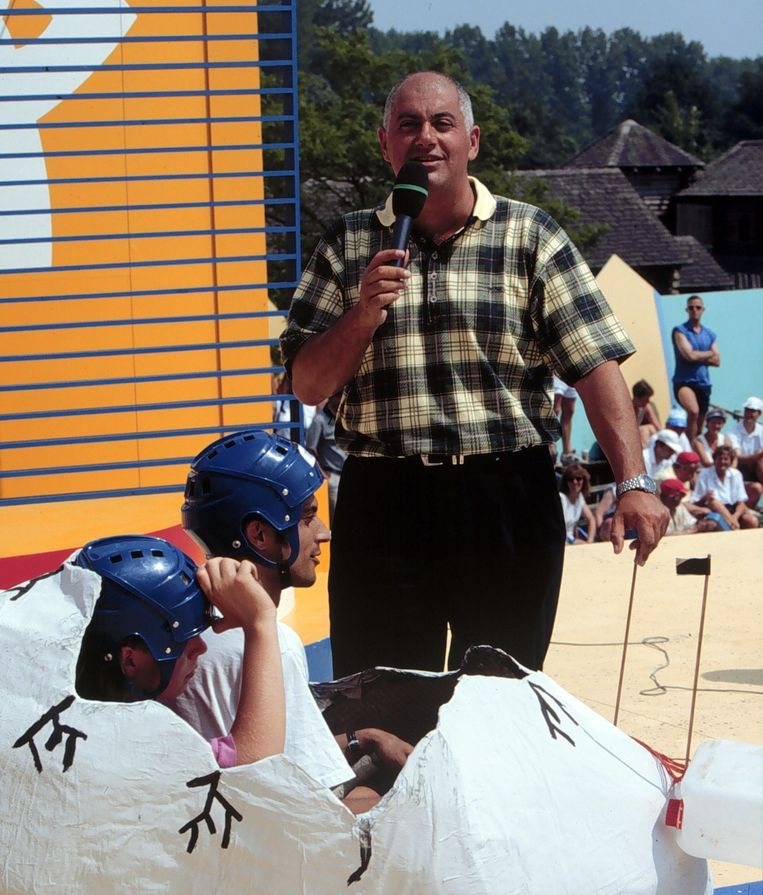 Jack van Gelder als presentator bij Ter land, ter zee en in de lucht (foto 1996). Beeld anp
