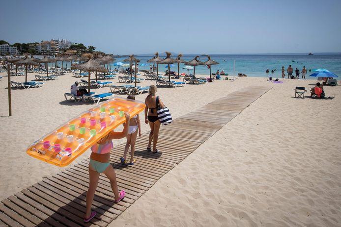 Toeristen op Mallorca, archiefbeeld van afgelopen zomer.