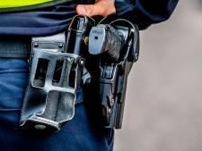 Ossenaar zegt vuurwapen te hebben en het in te willen leveren, politie lost schoten bij aanhouding