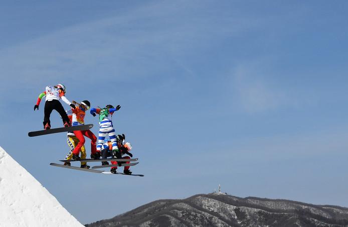 De finale van de snowboardcross met onder anderen Lindsey Jacobellis en Michela Moioli.