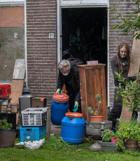 Gemeente Kampen verkoopt leeggeruimde villa aan Mateboer: krakers verkassen voorlopig naar naastgelegen pand