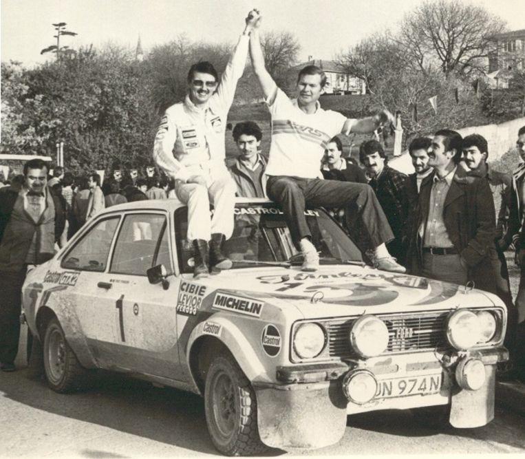Fredy Franssen en Gilbert Stapelaere met de originele Ford in Istanboel in 1978.
