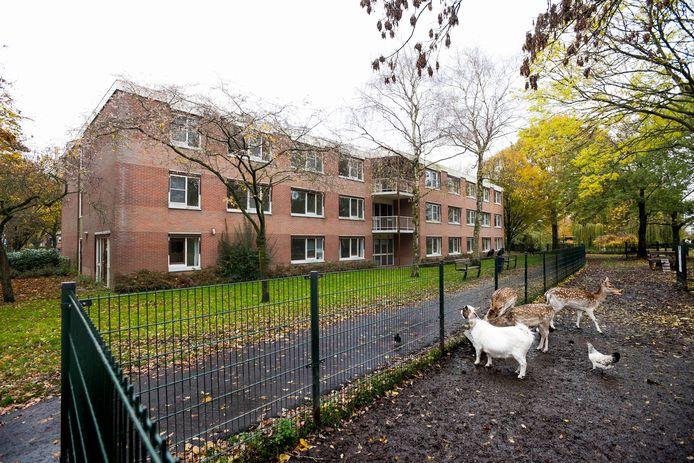 Huize Nyevelt in De Meern staat al jaren leeg. Hierin komt nu een woonproject van het Leger des Heils.