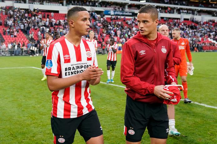 Mohamed Ihattaren en Ibrahim Afellay in een onderonsje.