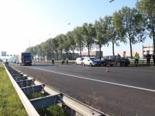 File op A12 tussen Duitse grens en Duiven door botsing drie auto's: weg weer vrij