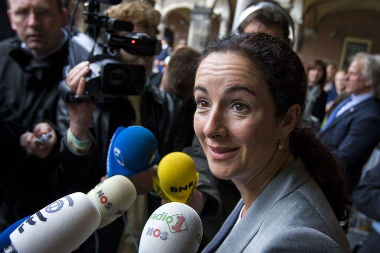 Femke Halsema staat op het Binnenhof in Den Haag de pers te woord na haar gesprek met informateur Uri Rosenthal. GroenLinks wil graag deelnemen in een eventueel Paars-plus kabinet. (ANP) Beeld