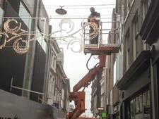 Vlak voor kerstmarkt krijgt Arnhem toch nog feestverlichting, uit Griekenland