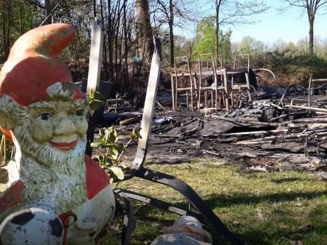 Treurnis na verwoestende brand op Klein Oisterwijk: 'Ons tweede stulpje is verloren'