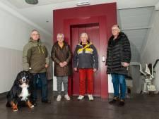 Stoom uit de oren bij flatbewoners Waddinxveen: lift is na maanden nóg kapot: 'We zijn het spuugzat'