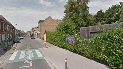 Fietsers baas in Leopold Debruynestraat en Driekoningenweg