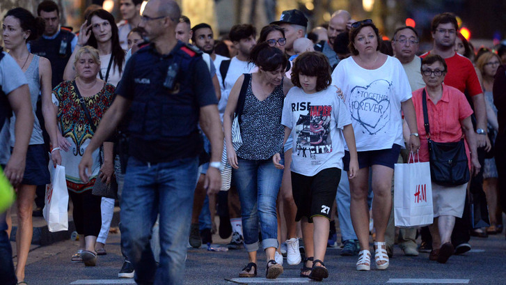 Live: Terroristen gedood bij politie-actie ten zuiden van Barcelona