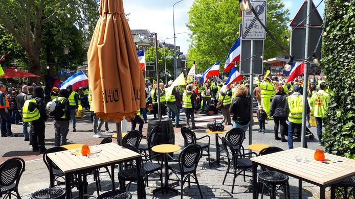 Archieffoto 2019: Gele Hesjes op het Joris Ivensplein in Nijmegen.