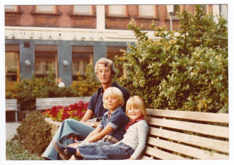 Hein Leffrings met zijn kinderen in Denemarken. Beeld Beeld uit privé-collectie