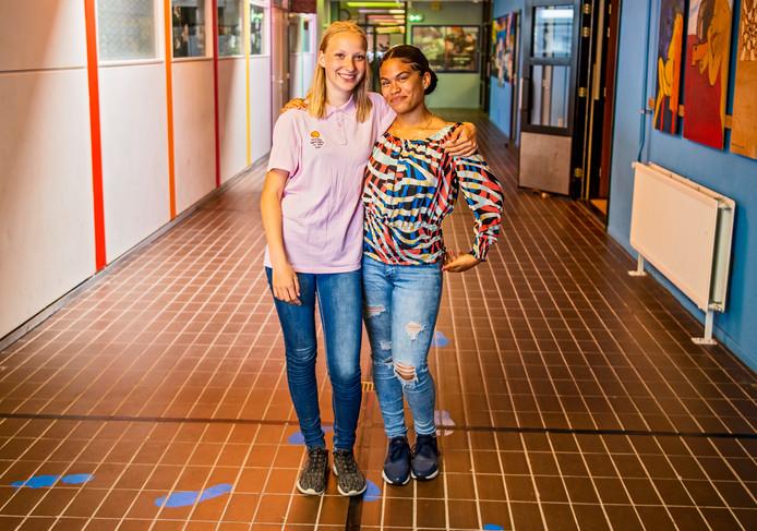 Maartje en Kyarah (rechts). Foto: Frank de Roo