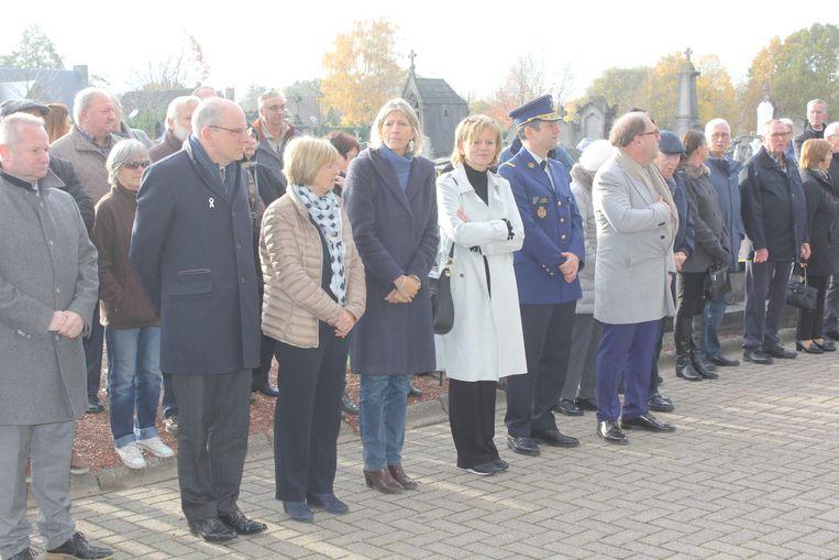 Het stadsbestuur samen met minister Geens op de herdenking van de slachtoffers van de Bende van Nijvel.