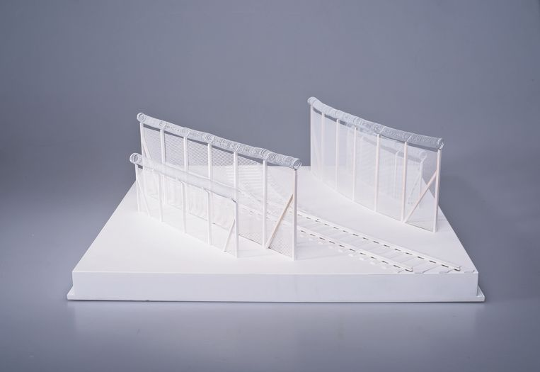 Model of a reinforced border between Hungary and Serbia, uit de serie The Clinch: New Architecture of European Borders, 2016/2017, door Łukasz Skąpski.   Beeld Łukasz Skąpski, Krakow Photomonth Festival