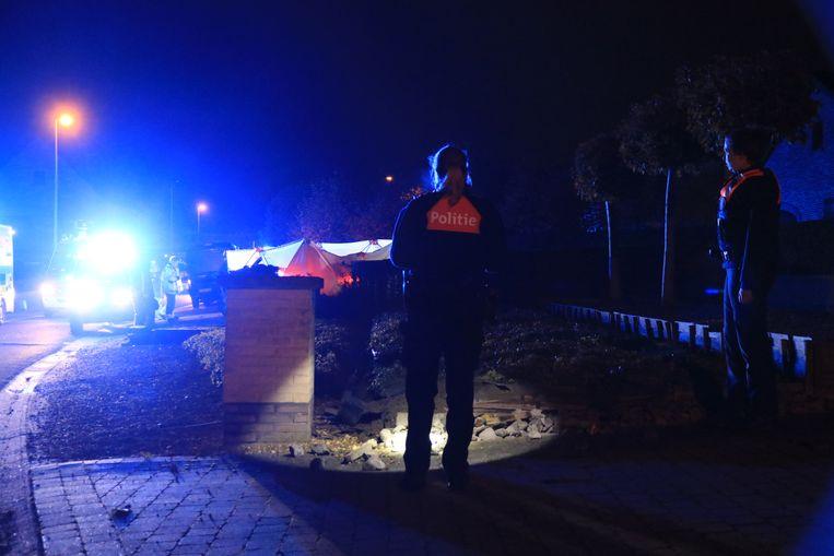 Bij het ongeval werd een muurtje geraakt maar het is voorlopig onduidelijk of dit de bijzonder zware schade heeft veroorzaakt aan het linkerachterwiel van de BMW.