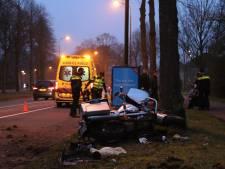 Motorrijder gewond bij ongeluk in Apeldoorn: 'gas bleef hangen'