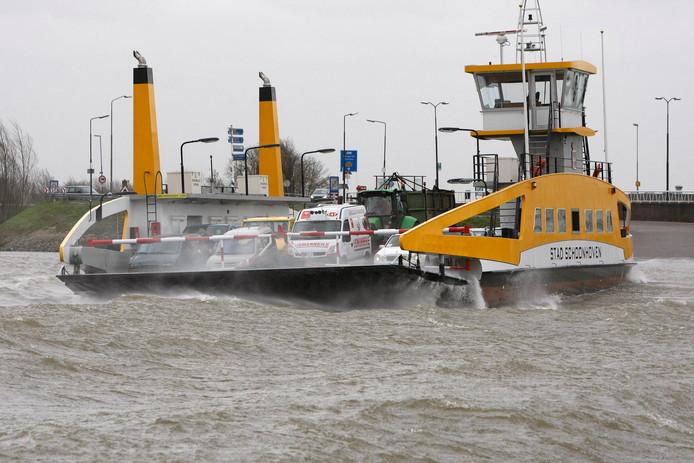 Er vaart al een pont van Schoonhoven naar Nieuwpoort, wie weet komt er ook nog een spoorbrug.