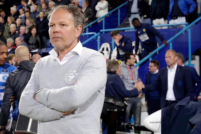 Trainer Henk de Jong van de Graafschap.