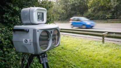 Verzekeringsagent rijdt 126 kilometer per uur waar hij 70 mag