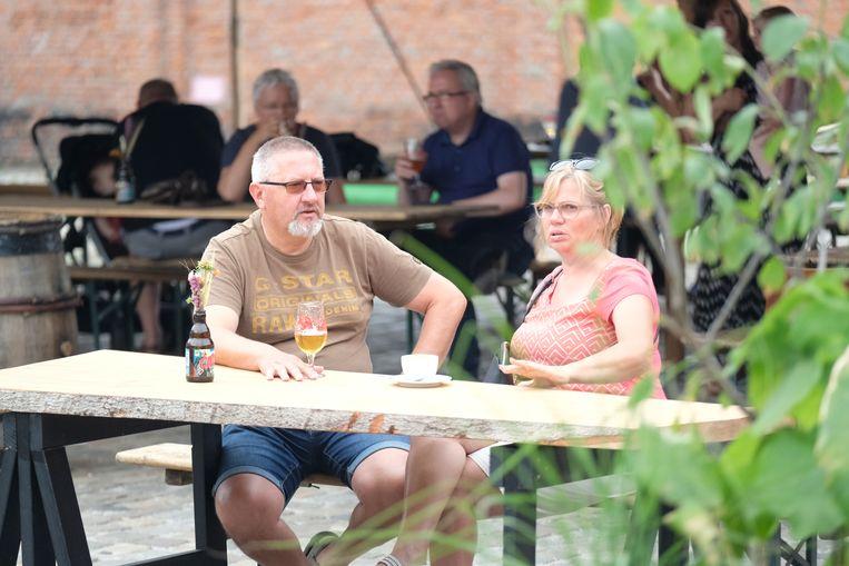 Genieten van een Seef of één van de andere bieren van de Antwerpse Brouw Compagnie, het kan vanaf nu aan de brouwerij zélf.